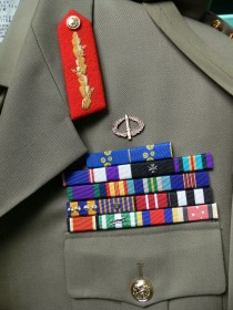 Australian army uniform belonging to former Governor-General Major General Michael Jeffery Detail 4